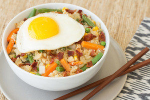 hungry girl cauliflower-fried-rice-breakfast-bowl